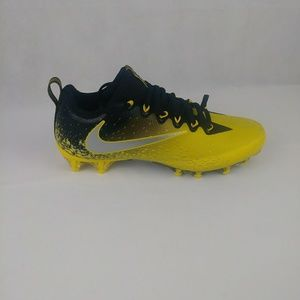 Nike New Vapor Untouchable Pro Football Cleats